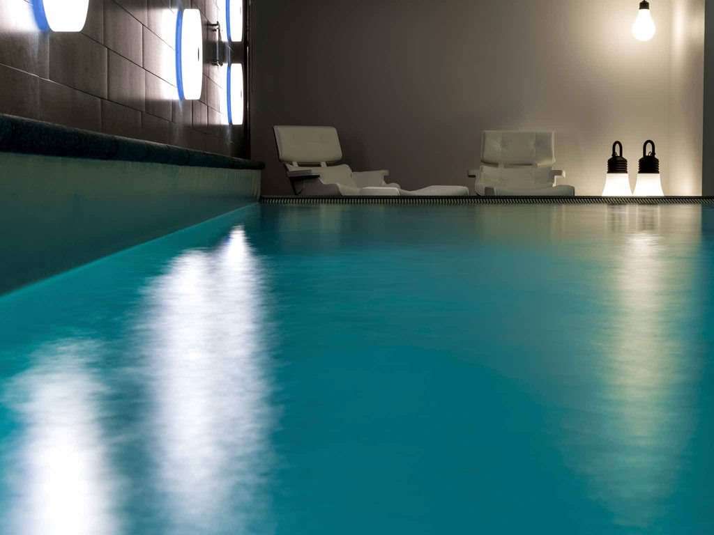Pullman Bath Light: REVIEW: Pullman Eindhoven Cocagne Hotel