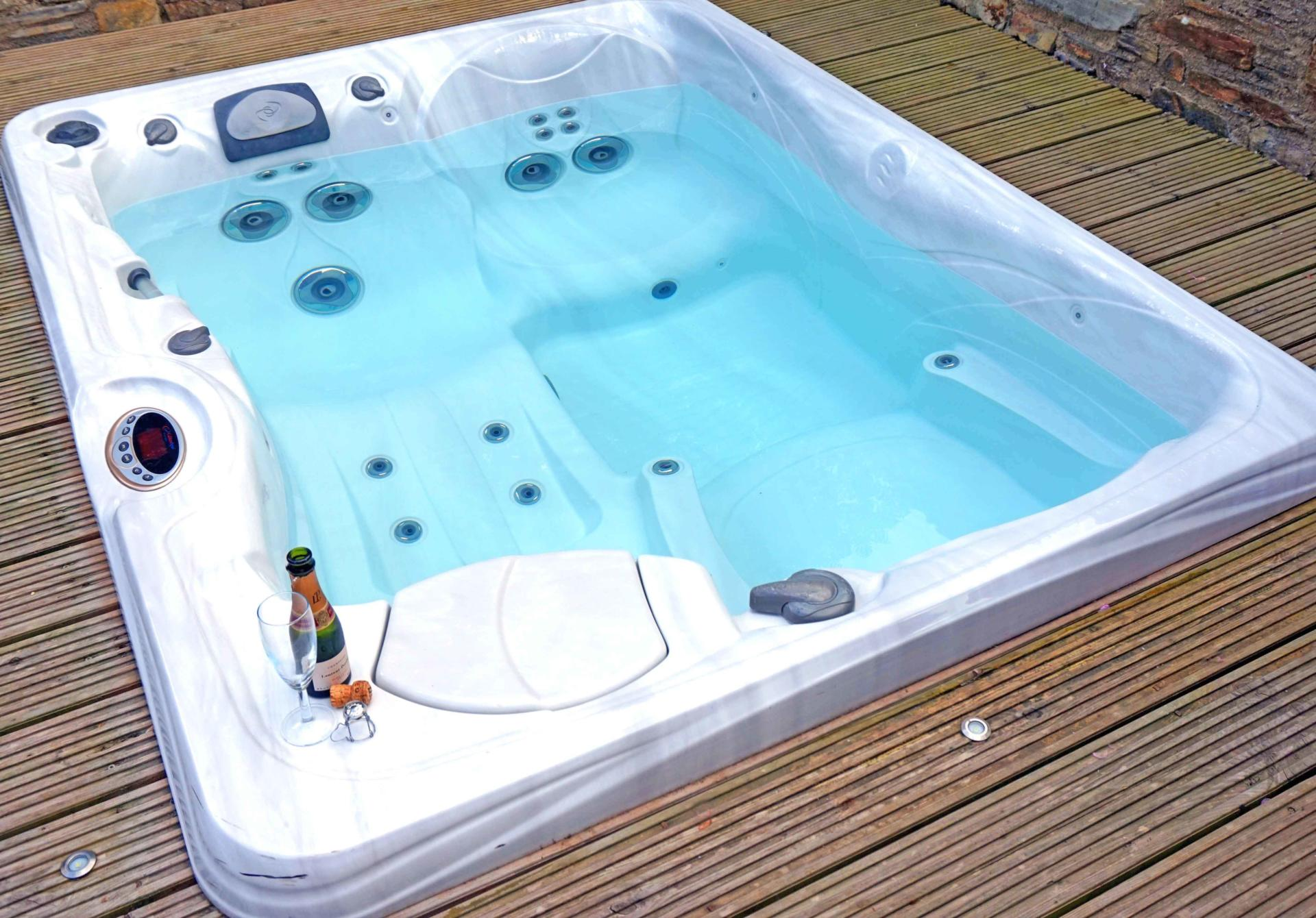 Top 5 UK Luxury Hotels with Outdoor Hot Tubs - The Foodaholic
