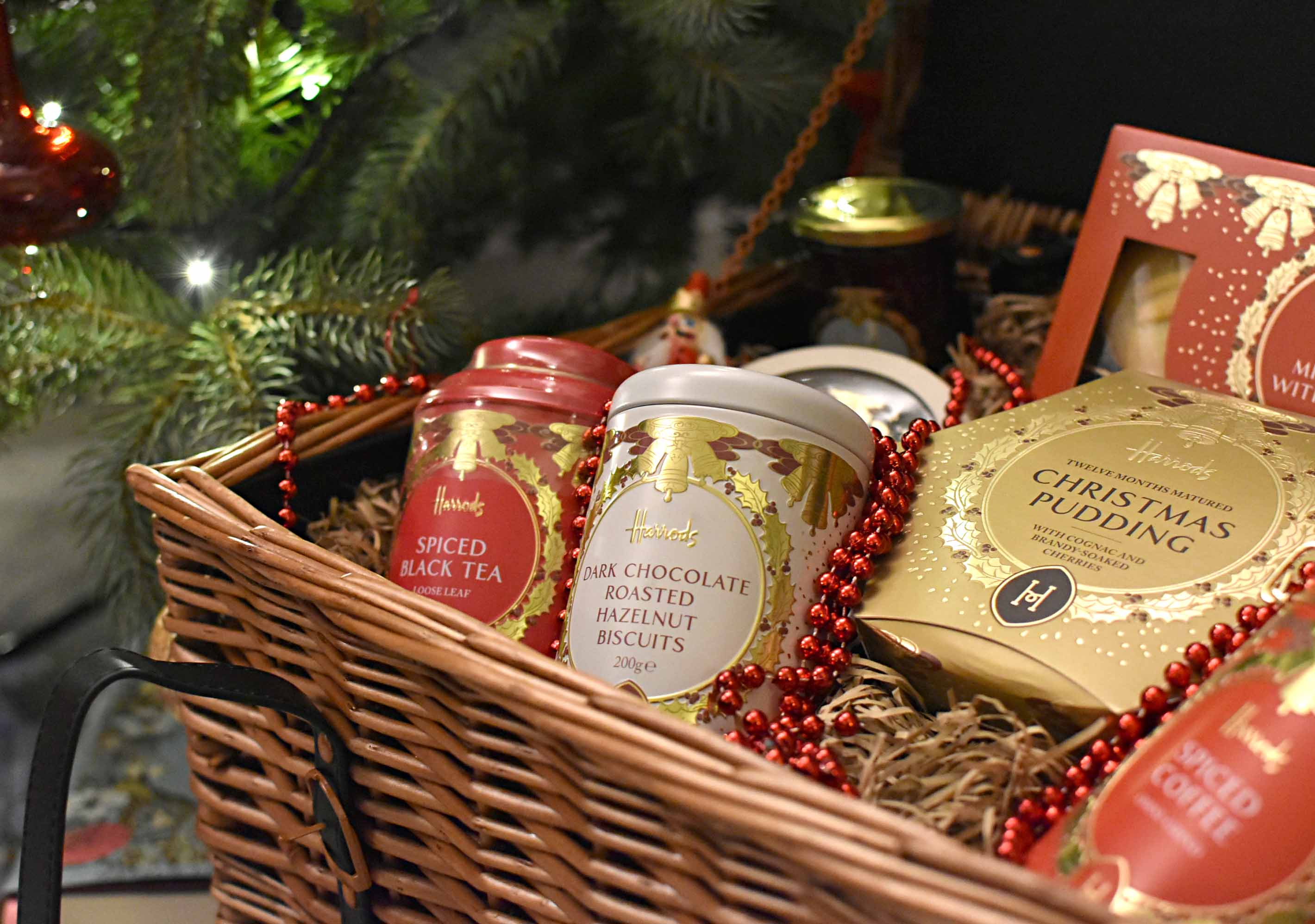 We invited some friends over for a glass of wine while decorating the tree together and putting The Grosvenor hamper into place.